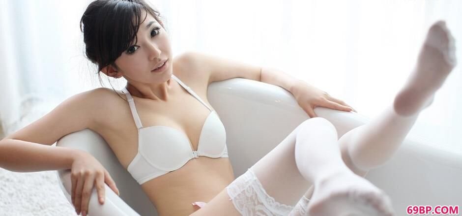 白色薄丝吊带晨雨内裤人体4
