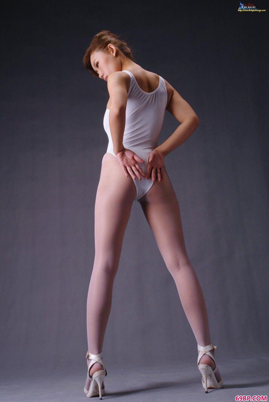 蓝依吊带袜与性感泳装造型_美女沟沟大尺寸国模吧