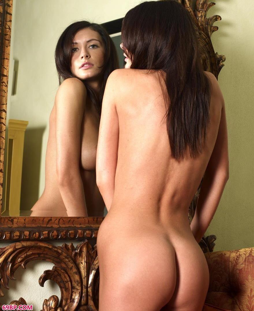 国外人体橘色的椅子3_多人乱p欧美