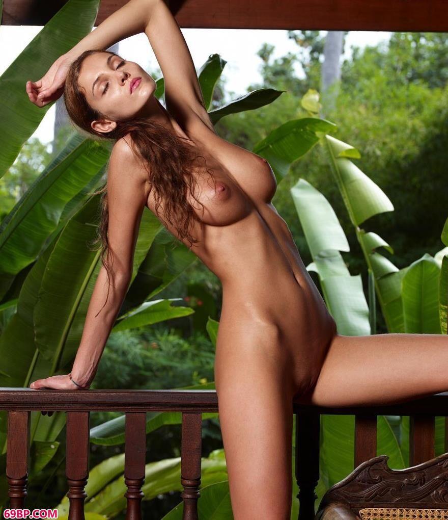 泰国人家琳达绿叶包裹着的人体2